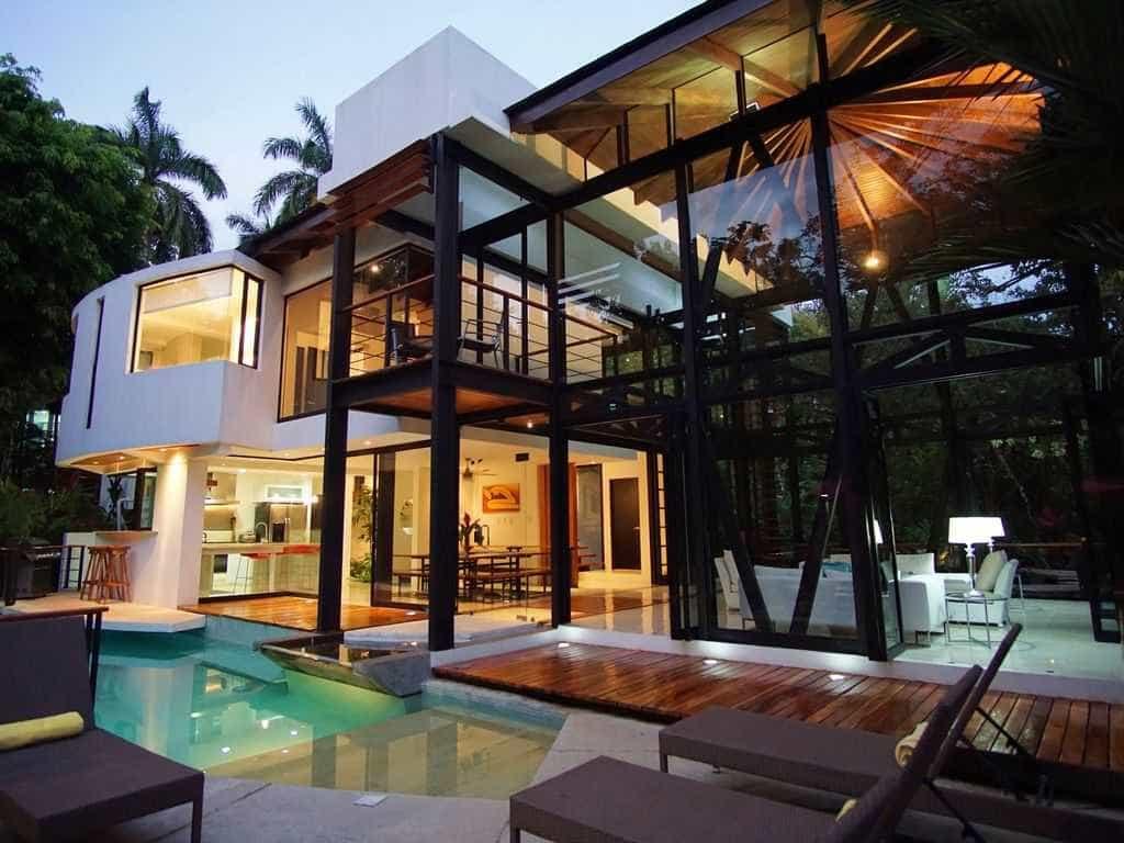 6 espetaculares casas feitas de vidro para passar um fim de semana