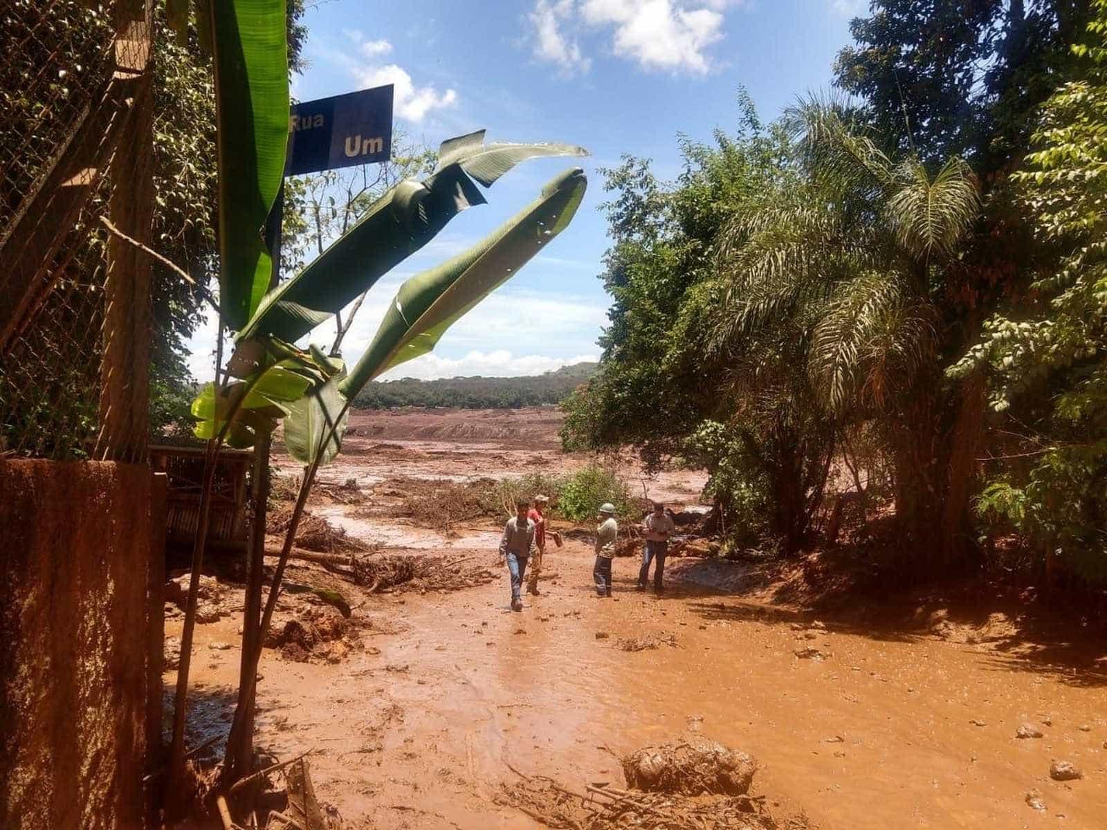 Barragem da Vale se rompe em MG; governo do Estado faz força-tarefa