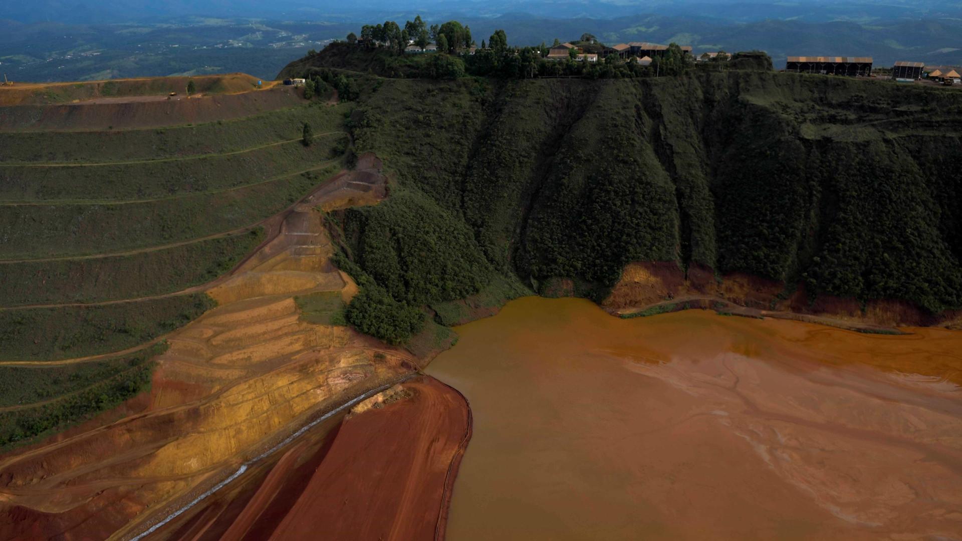 a7c1ce2642e68 Risco de rompimento foi citado em tensa reunião que aprovou barragem