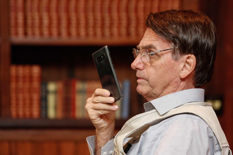 Bolsonaro acompanhará eleição do Congresso pelo WhatsApp