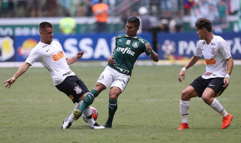 Corinthians marca logo no início e vence Palmeiras no Allianz Parque