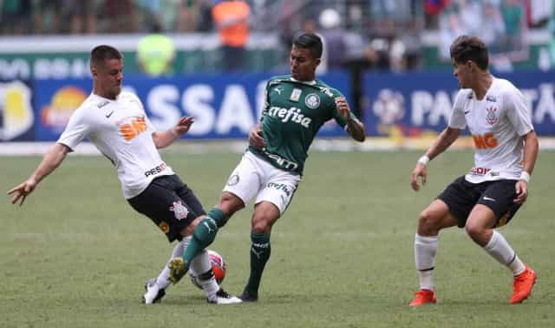 Corinthians marca logo no início e vence Palmeiras no Allianz Parque 8bb913e674d