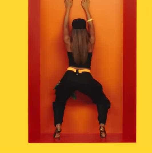 Anitta revela como faz o novo rebolado de 'Terremoto'; aprenda