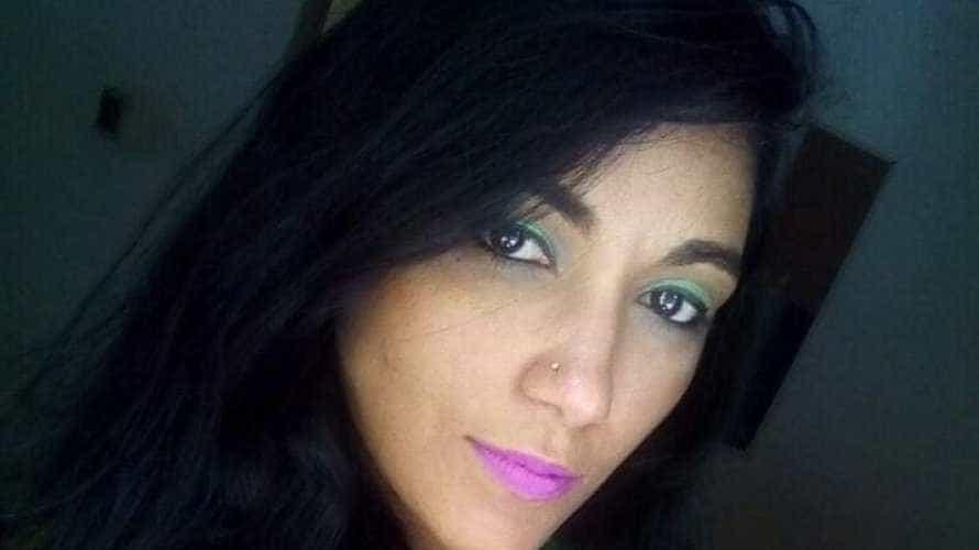 Professora é morta a tiros ao ser chamada em janela de casa na Bahia