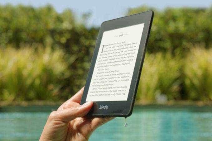 Amazon lança Kindle à prova d'água no Brasil