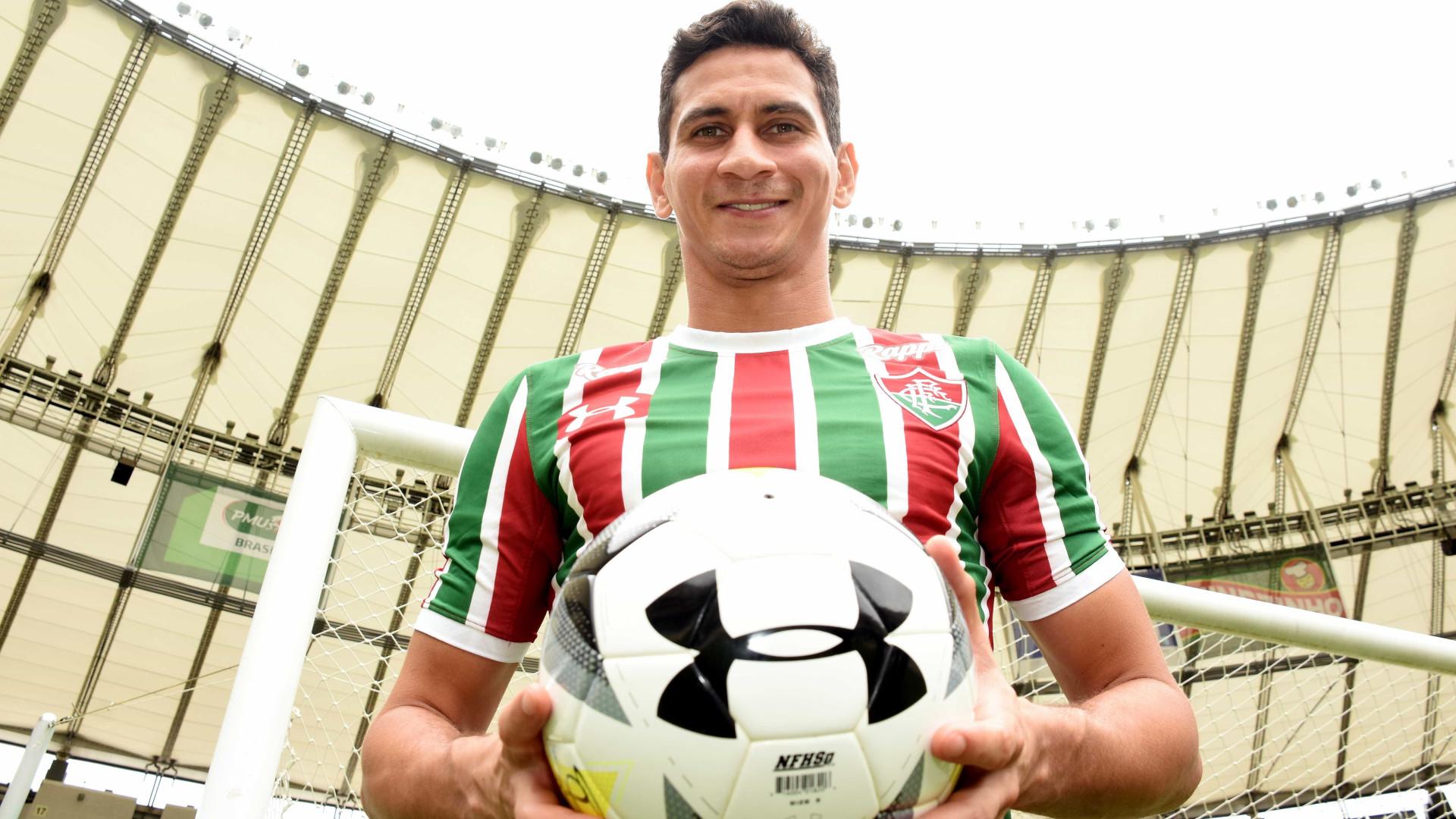 Com gol de barriga de Ganso, Fluminense avança na Copa do Brasil