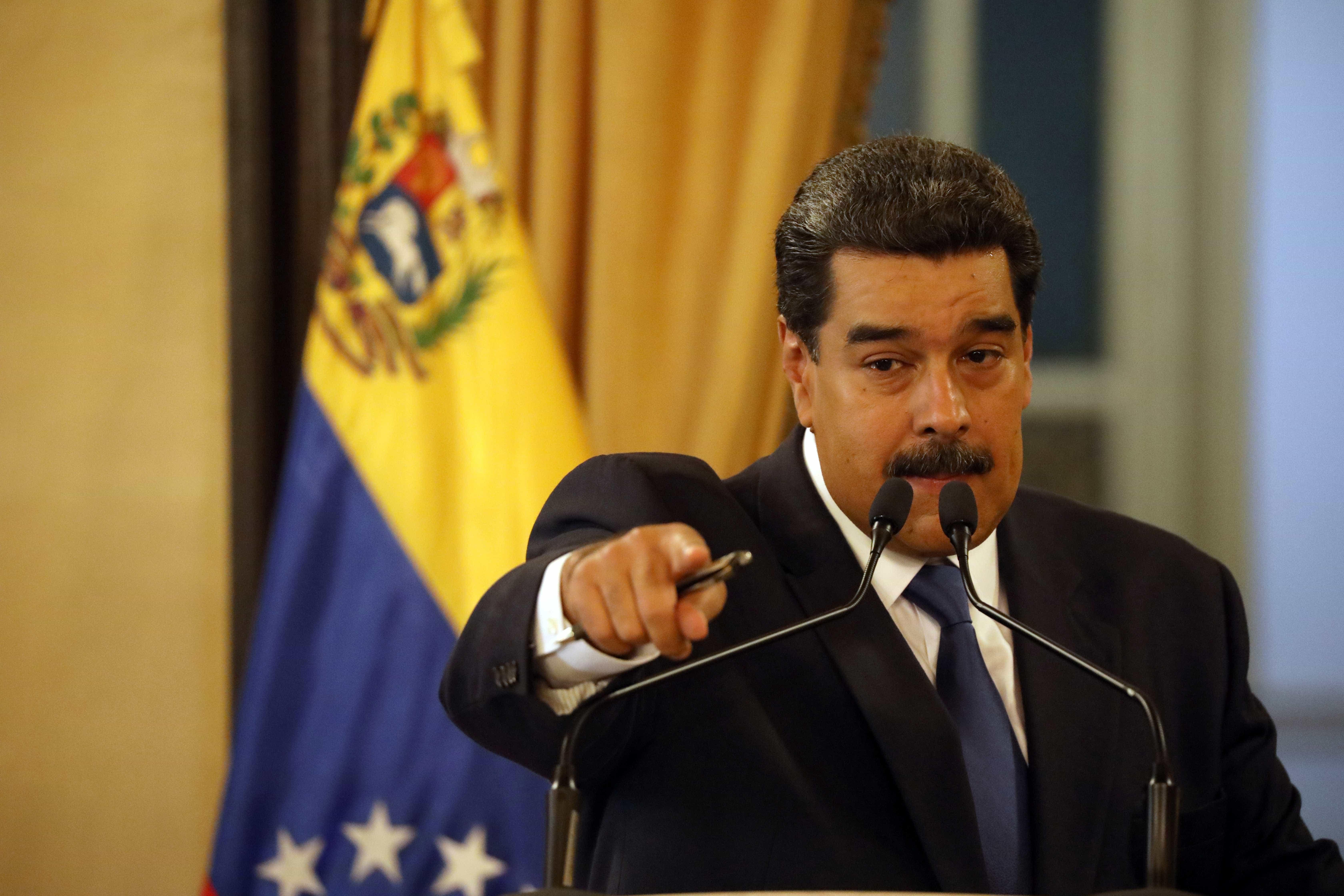 Não somos mendigos, diz Maduro ao rejeitar ajuda vinda dos EUA