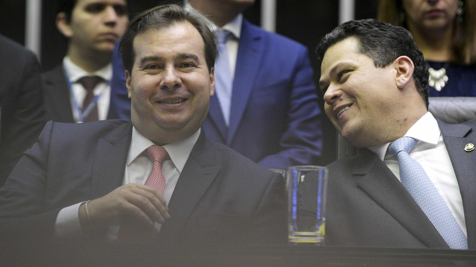 Só com avião, DEM investiu R$ 880 mil para alavancar Davi e Maia