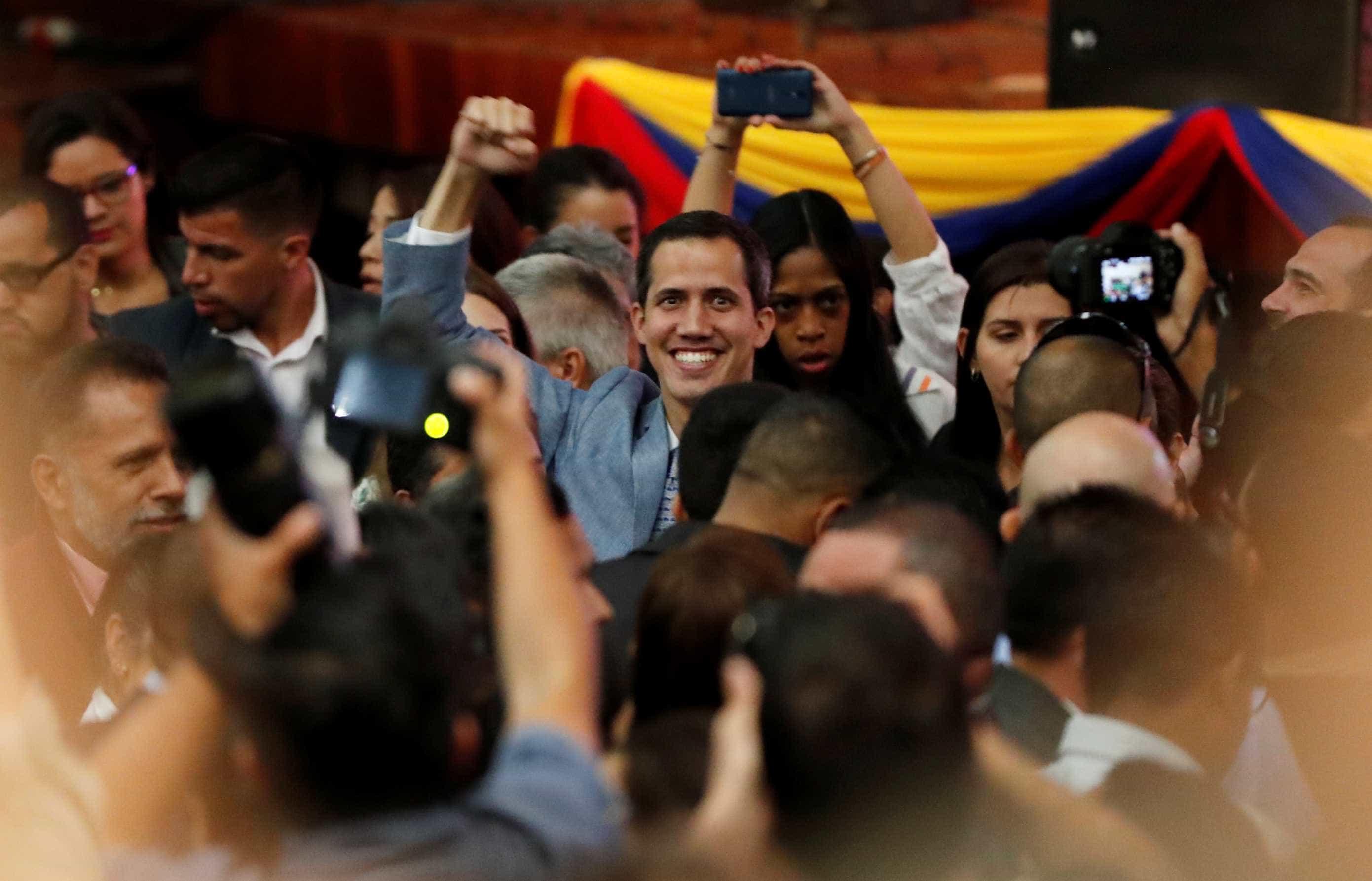 Juan Guaidó convoca novo protesto contra Maduro