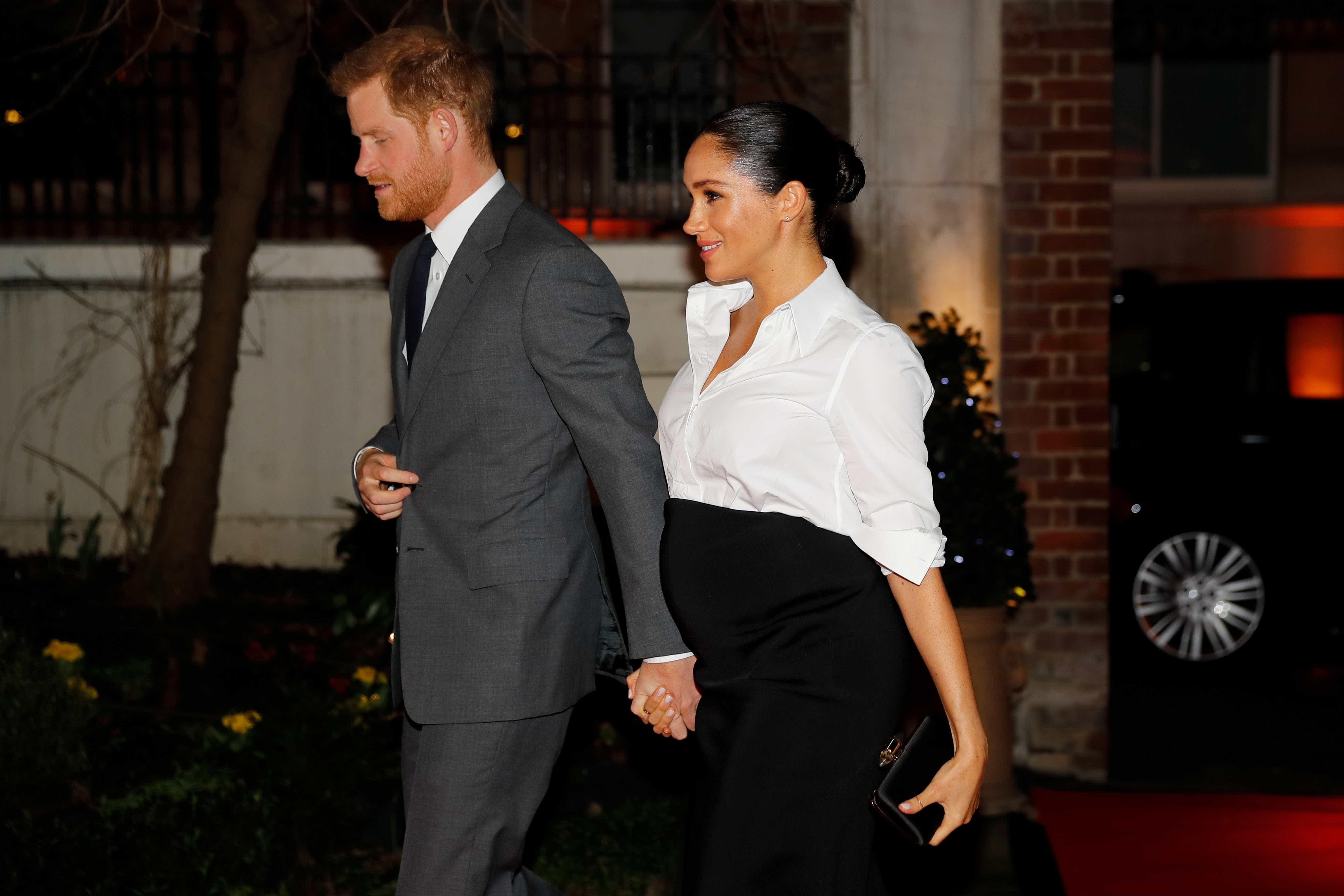 Harry escolhe 'segundo pai' para padrinho de filho; Meghan quer Clooney
