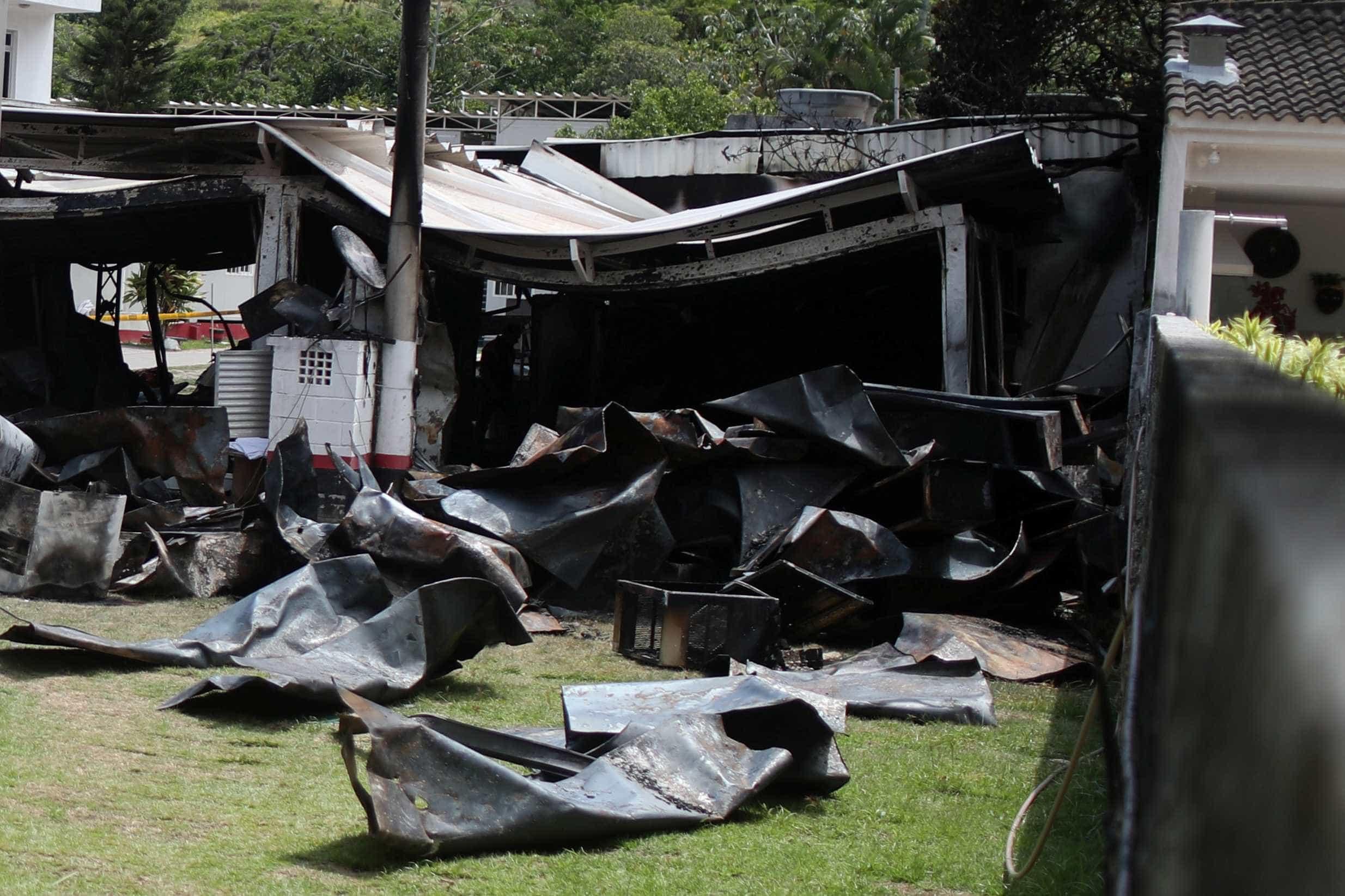 Flamengo diz que material dos contêineres não é propagador de fogo