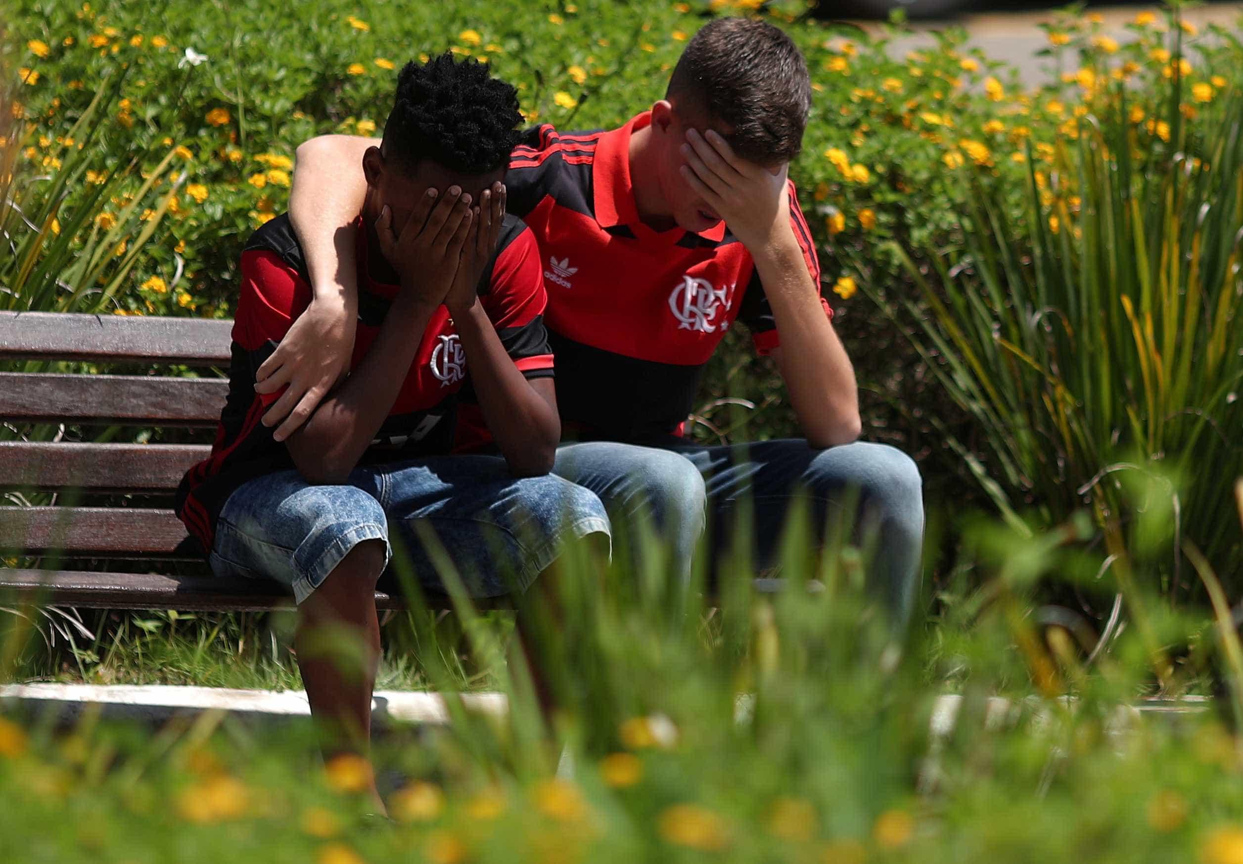 Justiça proíbe crianças e adolescentes no Ninho do Urubu