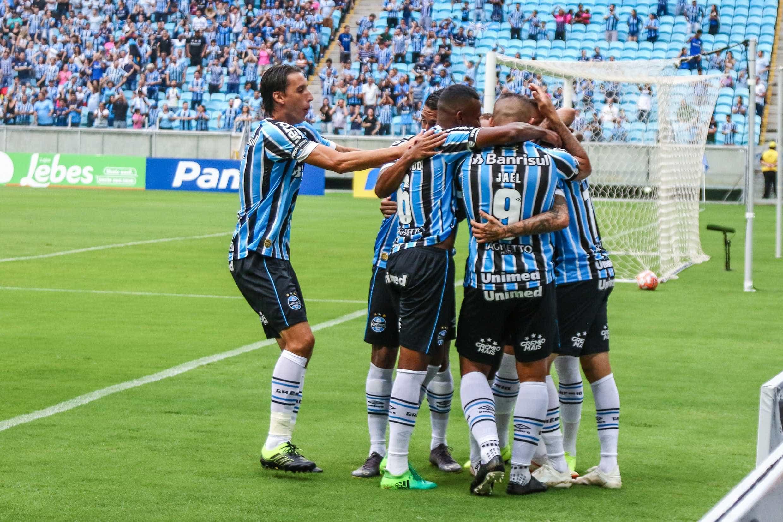 Renato comanda festa do título e se anima com Grêmio