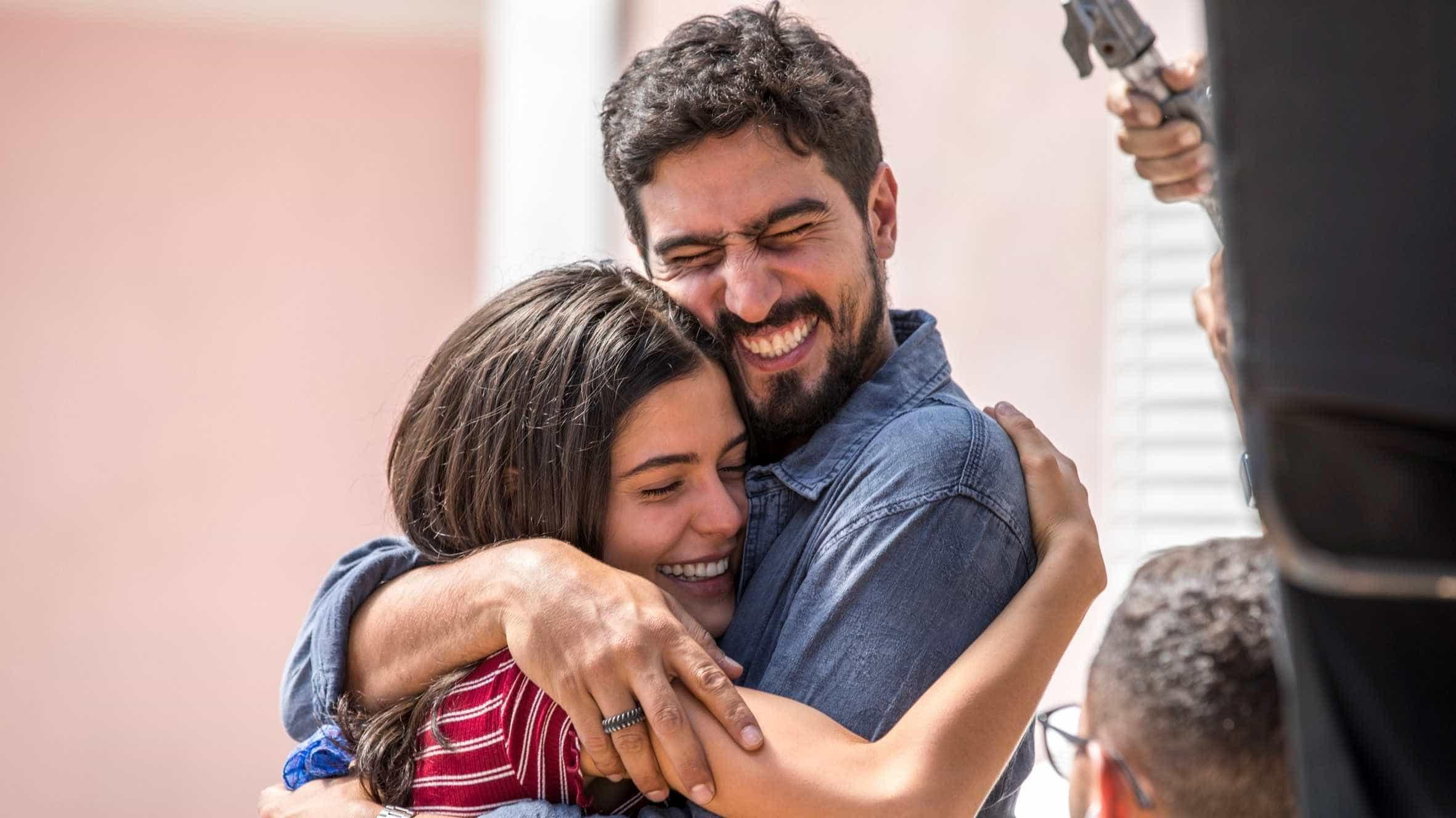 Sobre refugiados, 'Órfãos da Terra' traz Renato Góes e Julia Dalavia