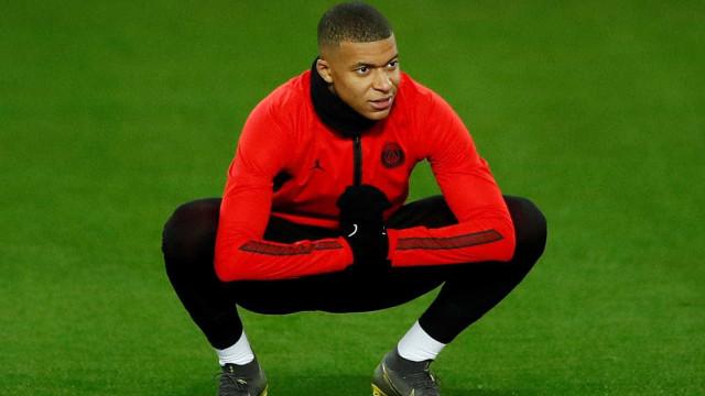 93e97f62ba PSG bate United em Manchester e abre vantagem na Liga