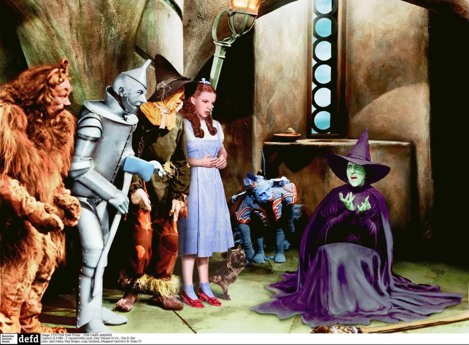 30 remakes que você jurava serem histórias originais