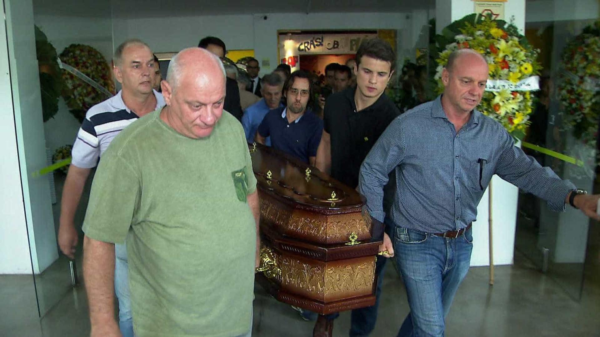 Corpo de Ricardo Boechat é cremado em São Paulo