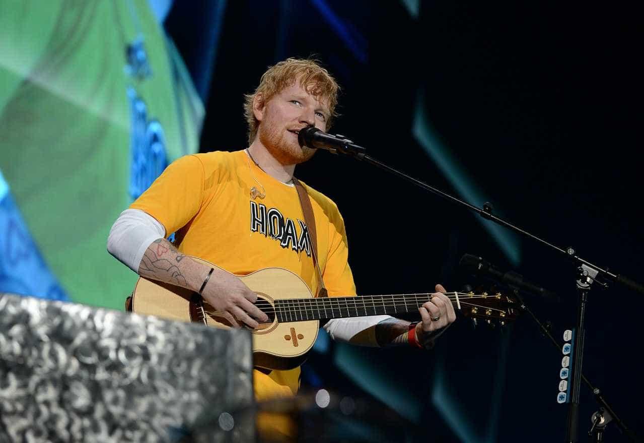 Fotos: Ed Sheeran brinca com 'namorados que não queriam estar no show'