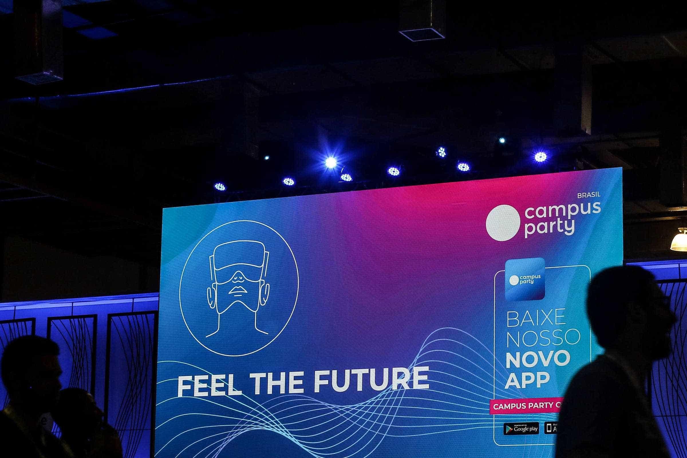 Empresas recrutam jovens e Campus Party fica mais profissional