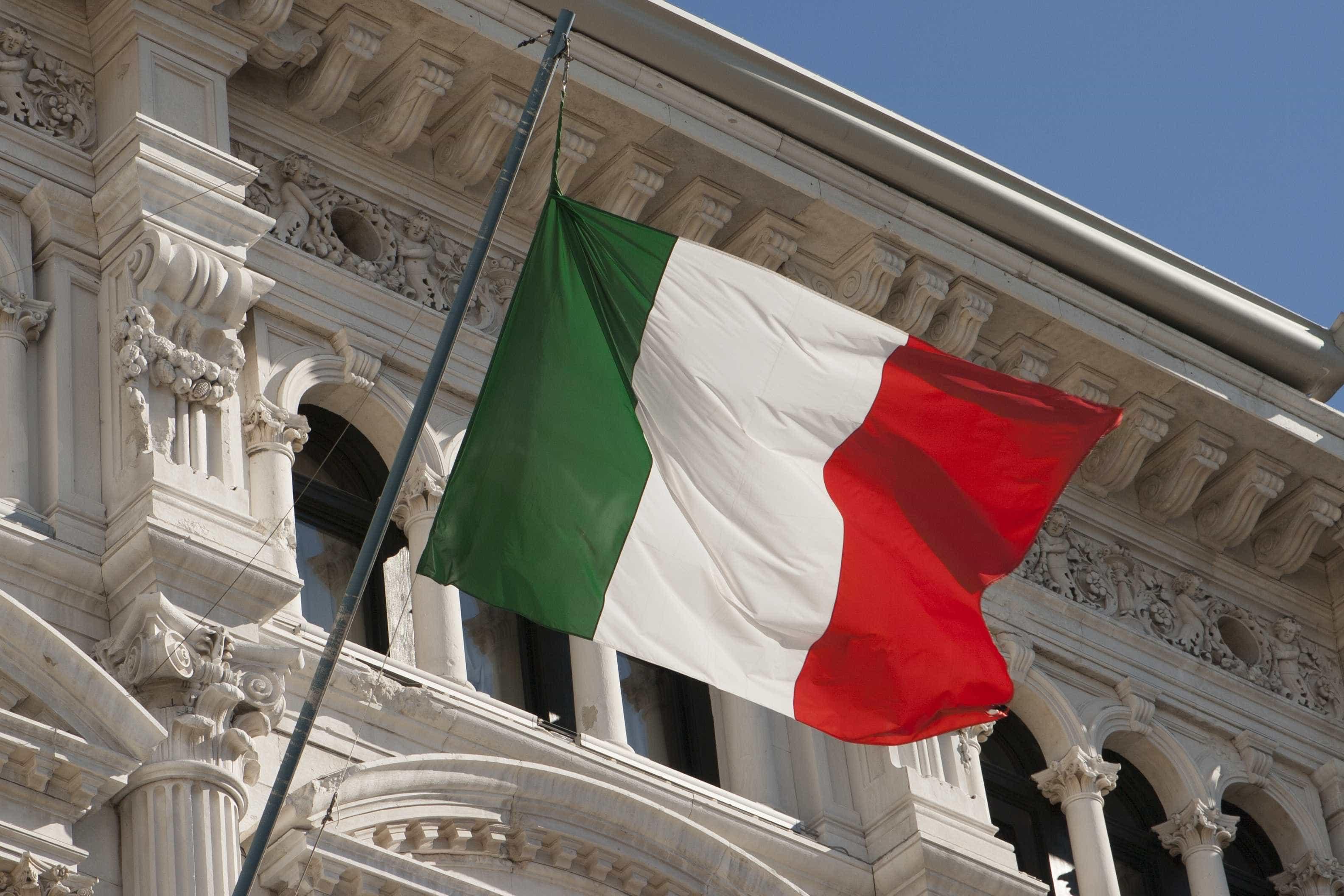 Itália restringe acesso de estrangeiros a renda de cidadania