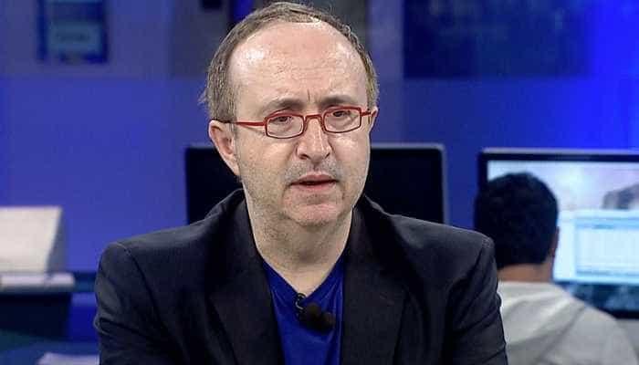 Reinaldo Azevedo ignora Boris Casoy e coça as partes íntimas ao vivo