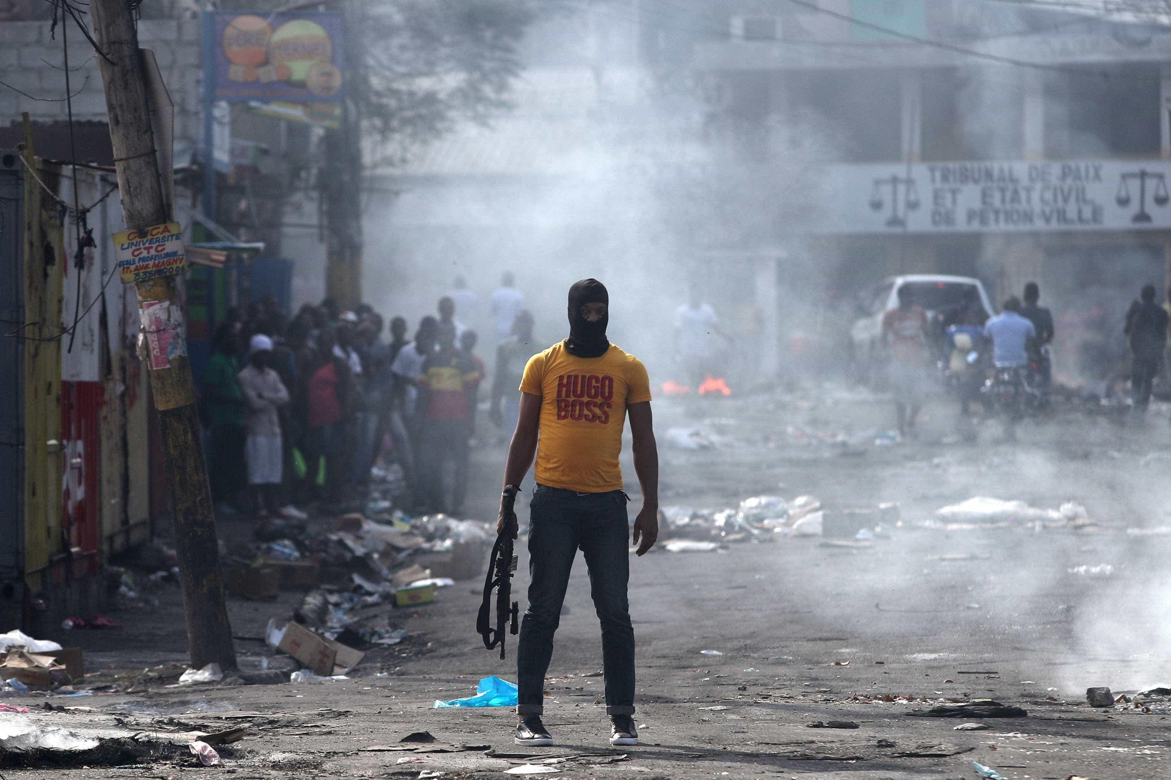 Haiti volta a mergulhar em onda de protestos violentos e crise política
