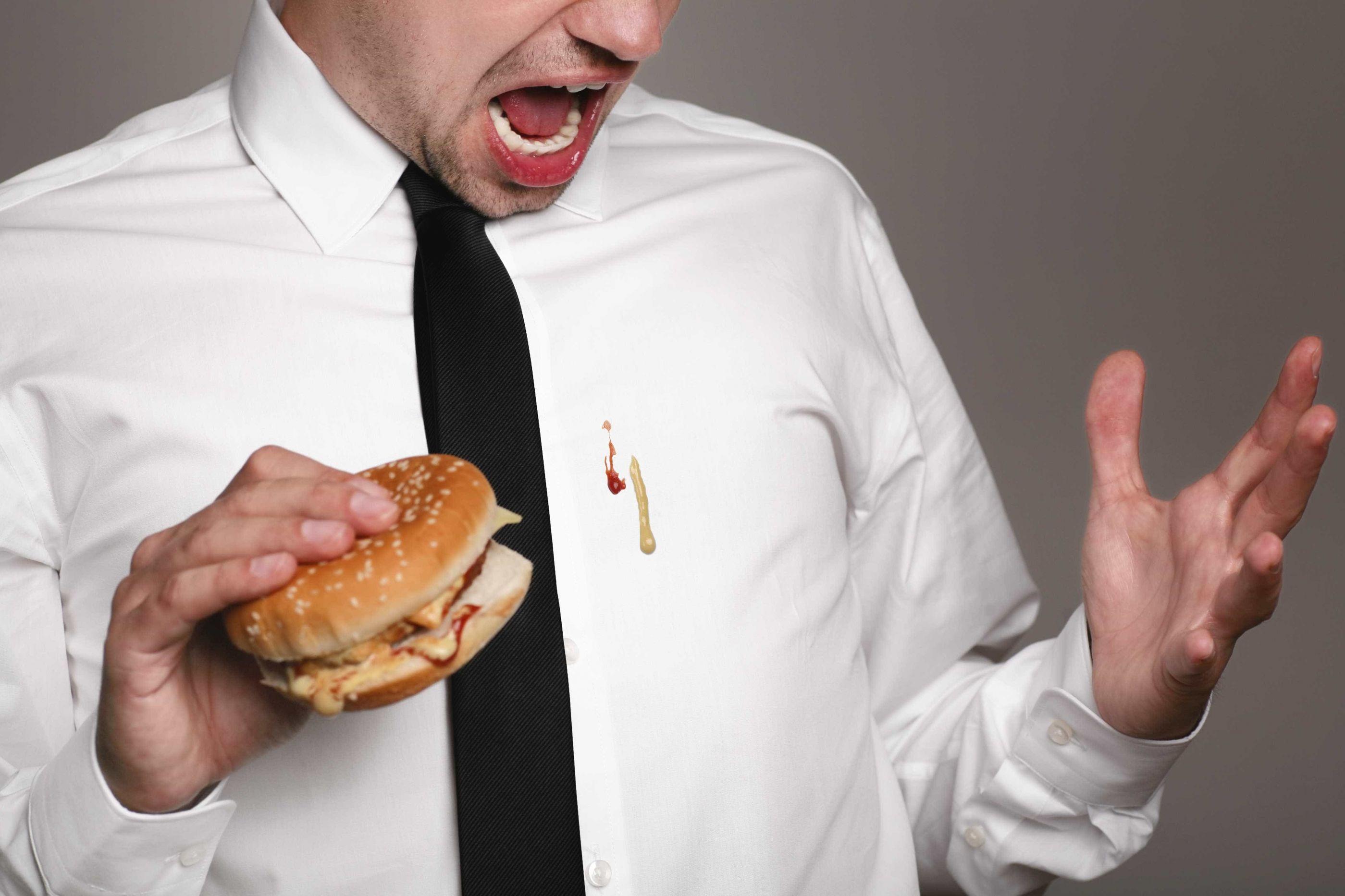Sujou a roupa com gordura? Saiba o que fazer para remover a mancha