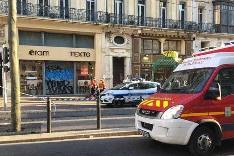 Homem é morto após esfaquear 4 na região de Marselha