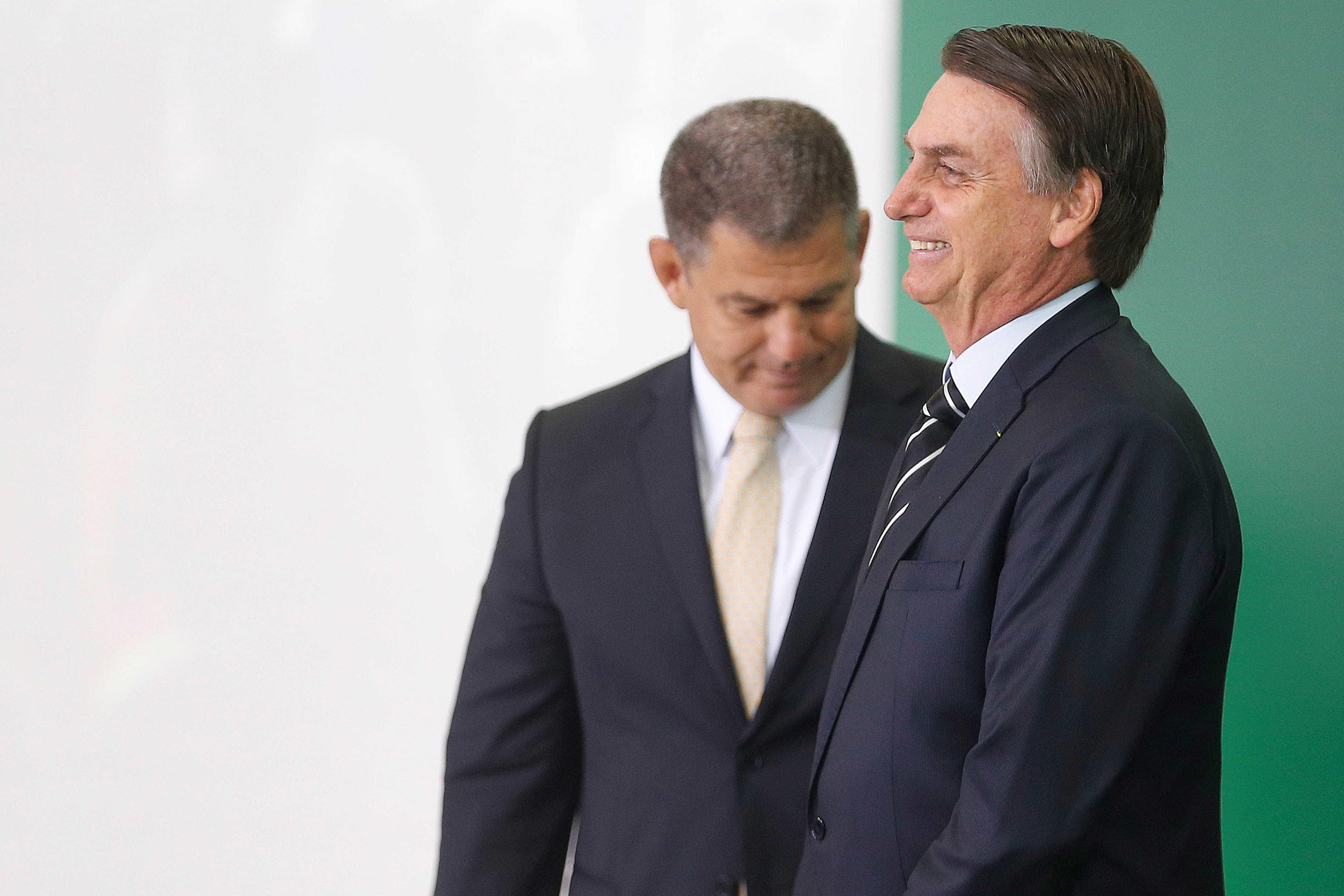 Revista divulga áudios de conversas entre Bolsonaro e Bebianno; veja