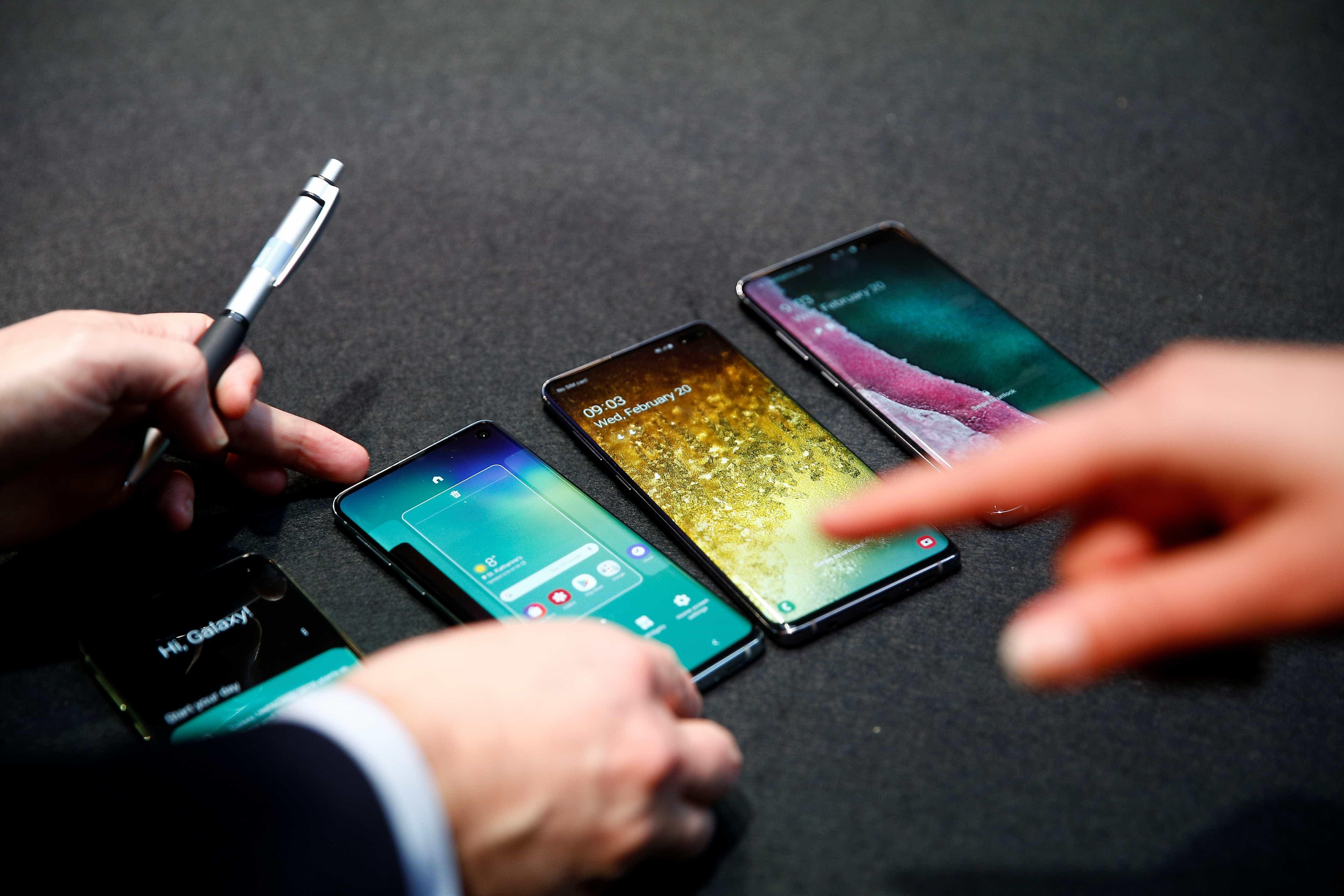 Samsung apresenta três novos smartphones: Galaxy S10, S10E e S10 Plus