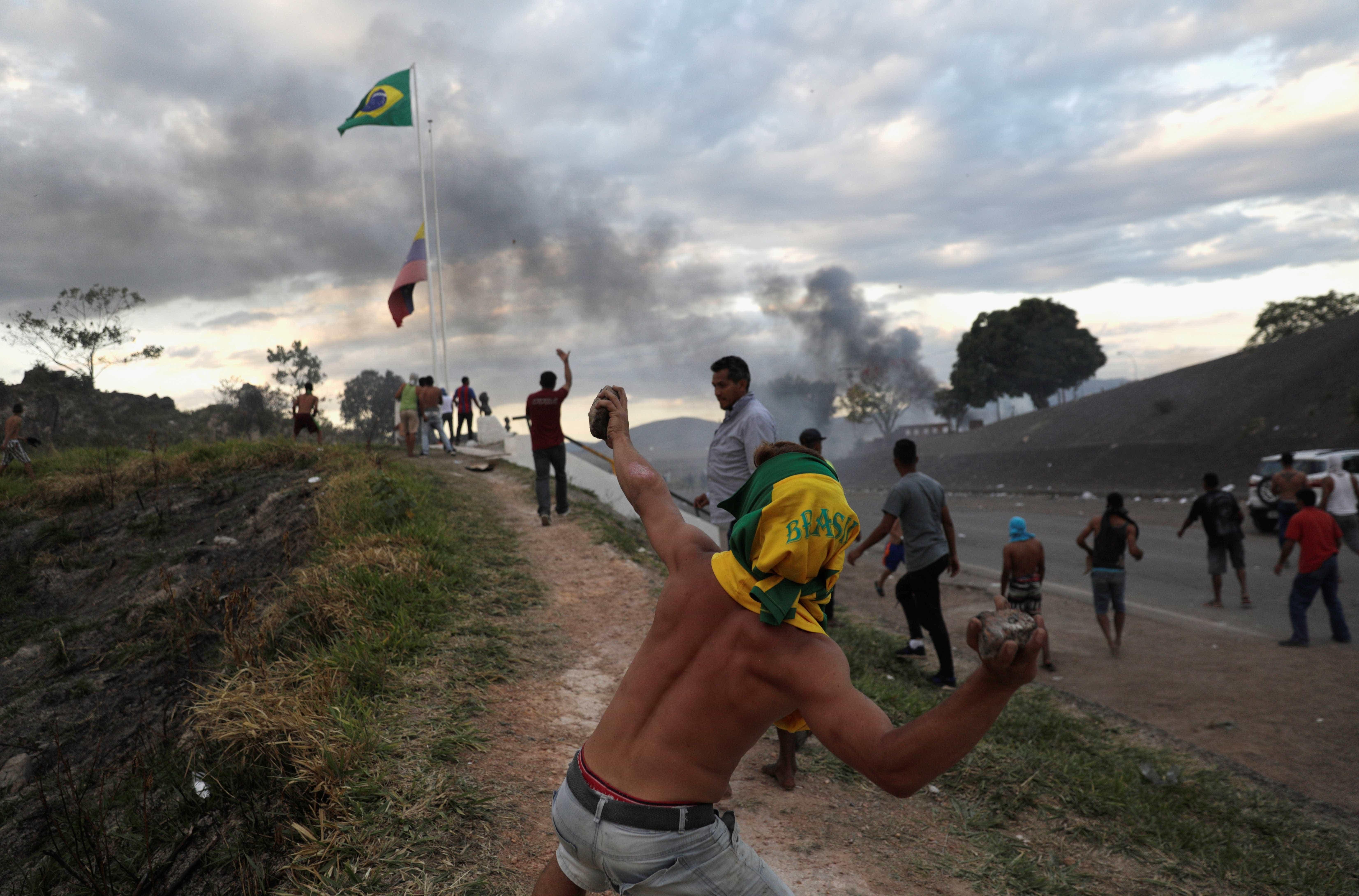 'Nunca vi exército de outro país jogar bomba de gás no Brasil'