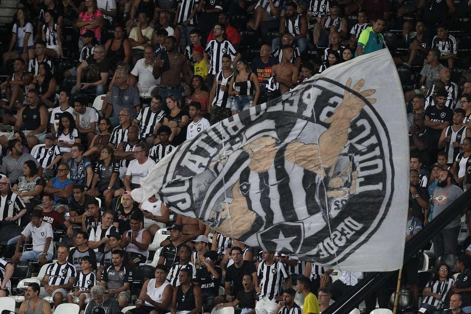 Botafogo e Vasco empatam em 1 a 1 pela Taça Rio