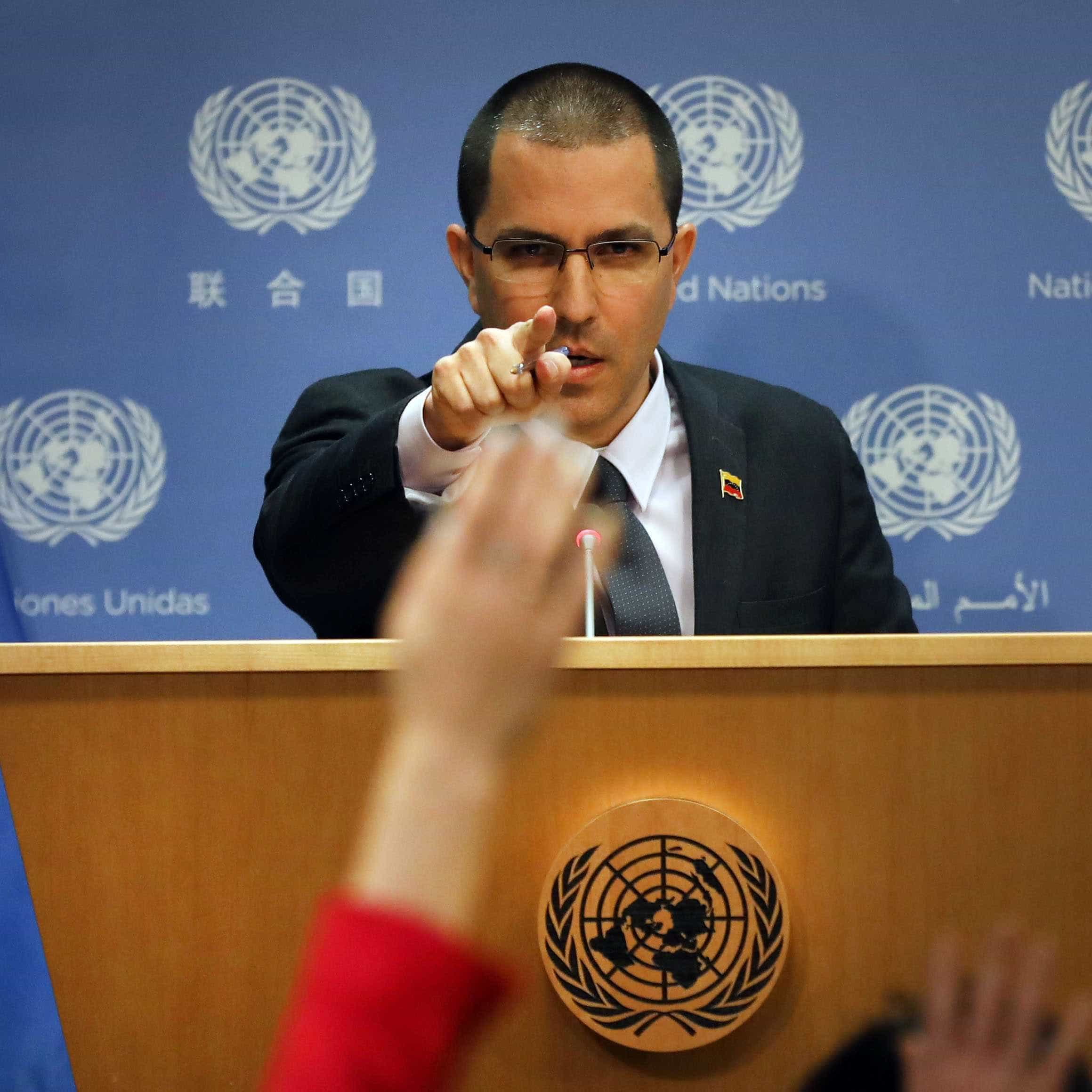 Chanceler da Venezuela acusa EUA de 'fabricar pretexto para guerra'