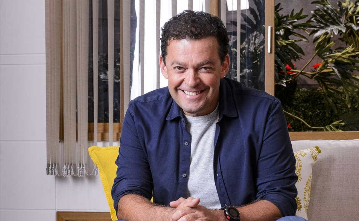 Marcelo Adnet faz piada com Fernando Rocha em programa
