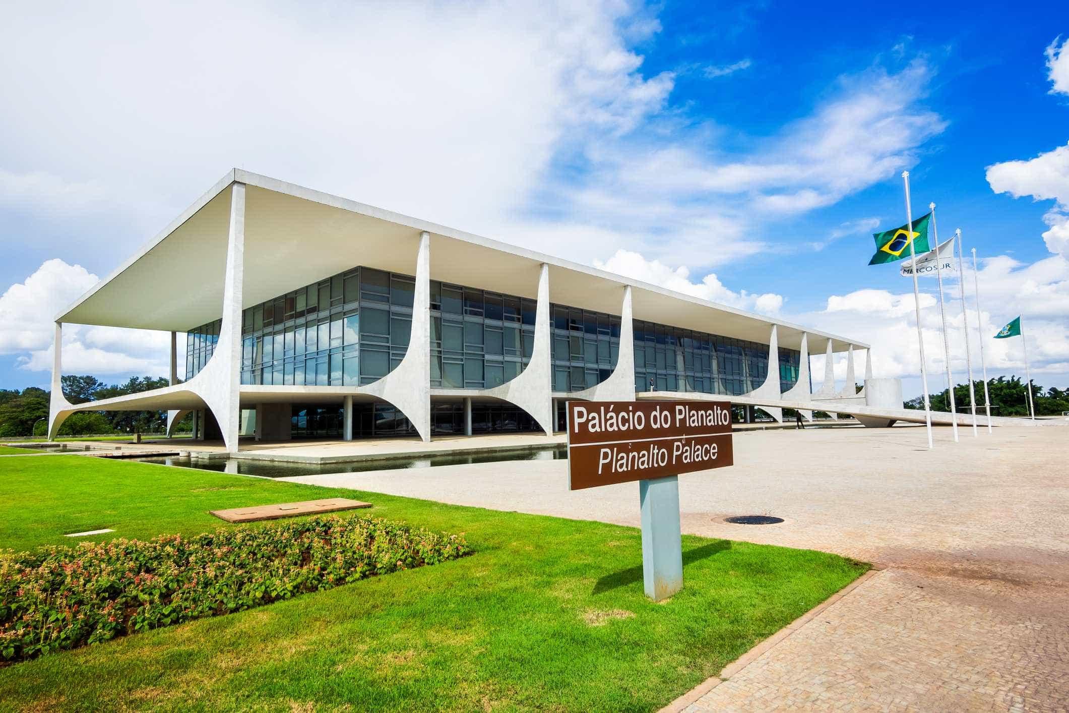 Bolsonaro mina credibilidade com polêmicas, avalia cúpula do Planalto