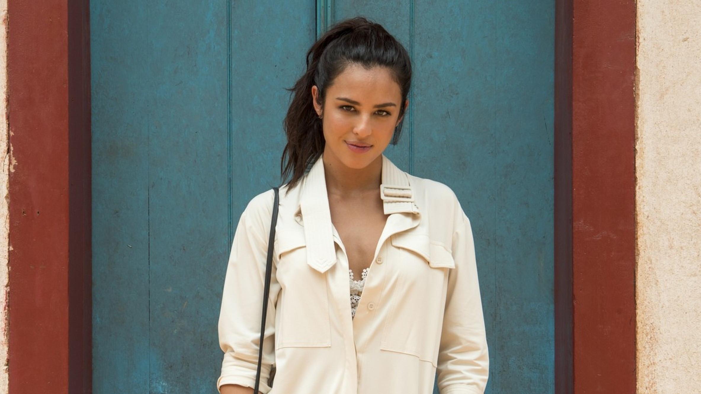Yanna Lavigne vai processar perfis que a envolveram em 'caso Loreto'