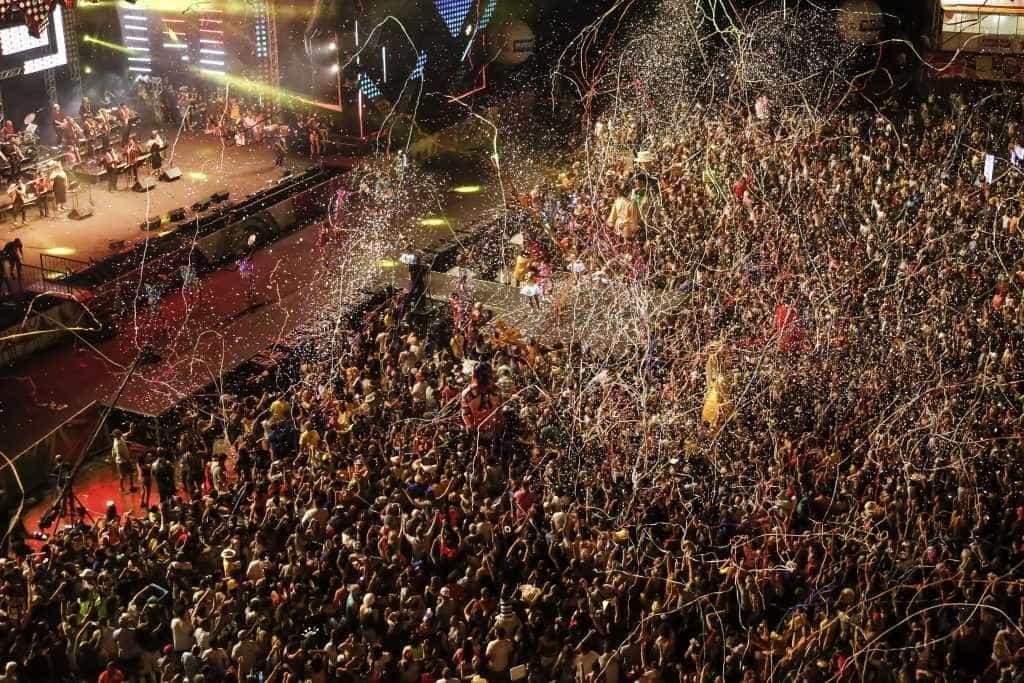Abertura do Carnaval do Recife emociona multidão no Marco Zero