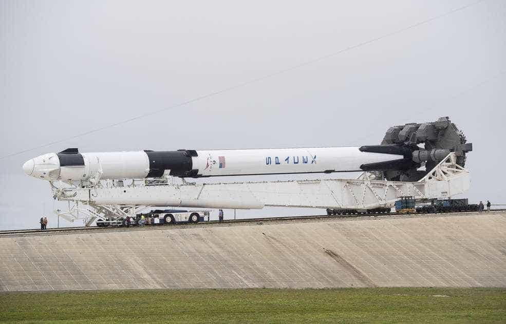 Cápsula da SpaceX chega à Estação Espacial Internacional