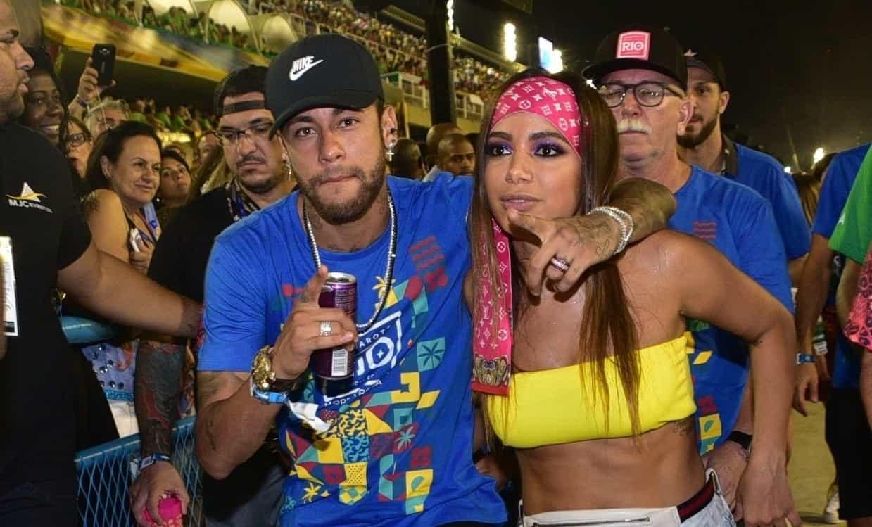 Carnaval de Neymar gera polêmica na imprensa internacional