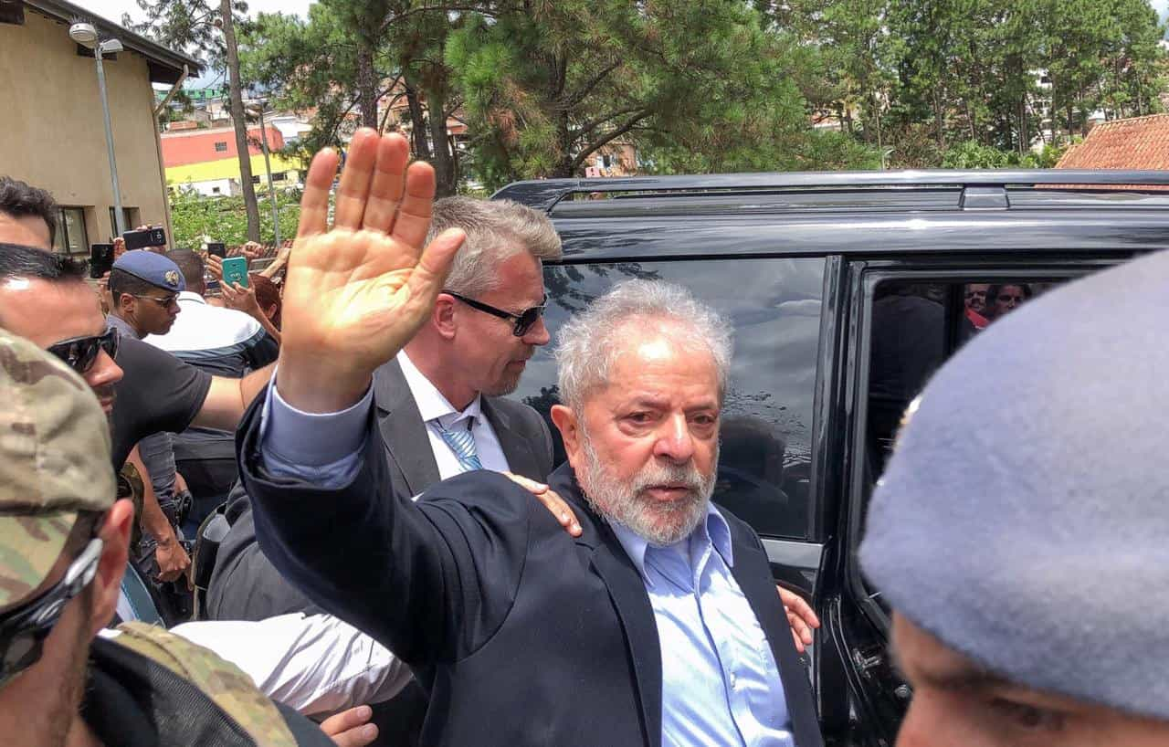 Lula foi proibido de falar em público para ir ao velório do neto em SP
