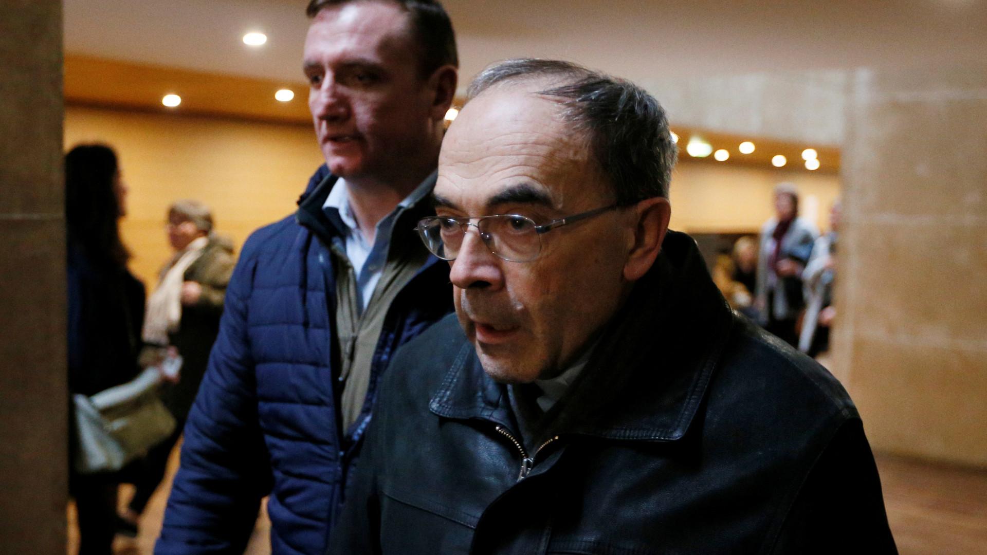 Cardeal francês é condenado por ocultar casos de pedofilia