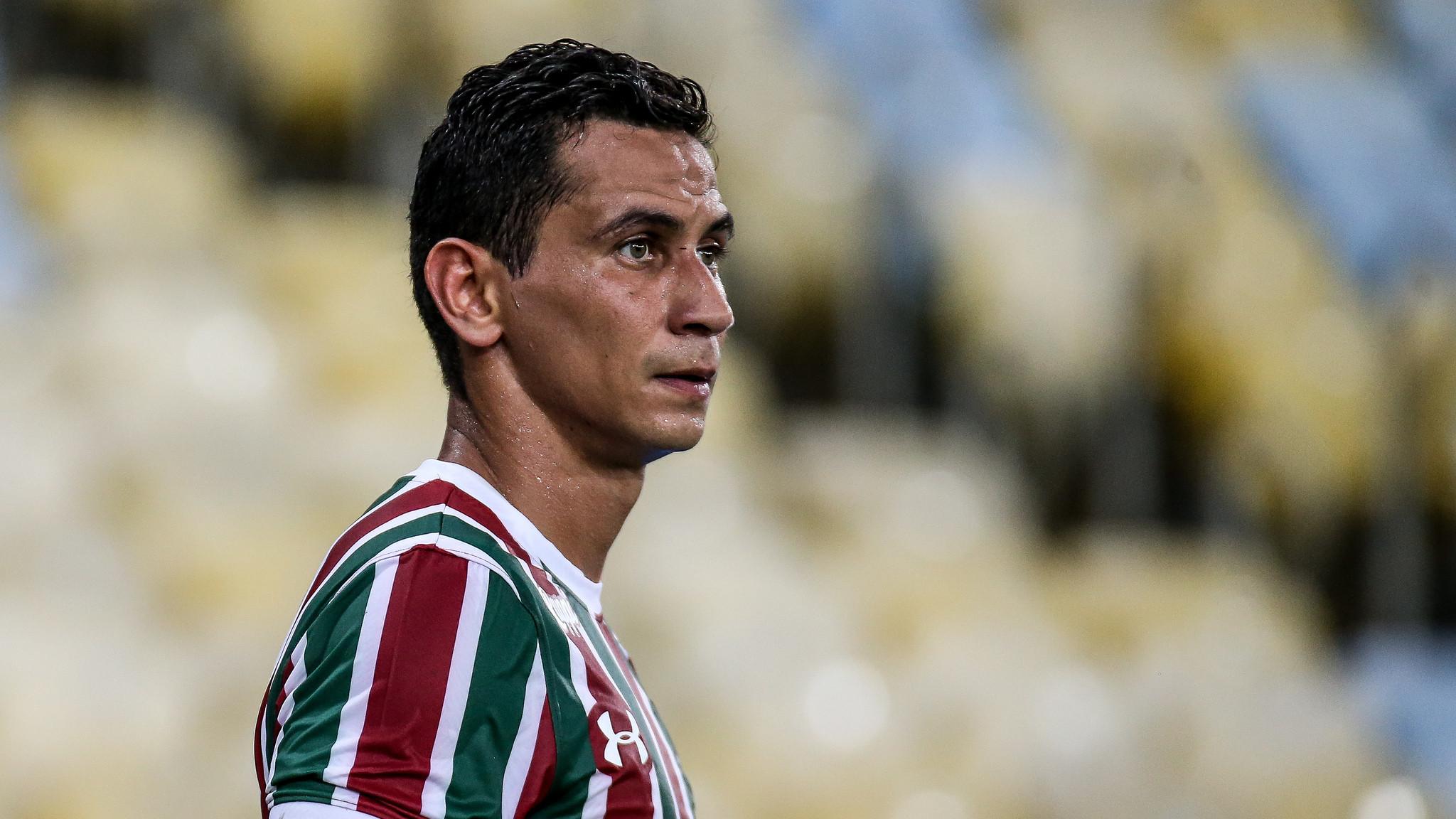 Ganso evita comparações com o gol de Renato Gaúcho