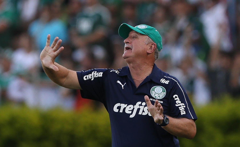 Felipão se irrita com xingamentos e ameaça deixar o Palmeiras