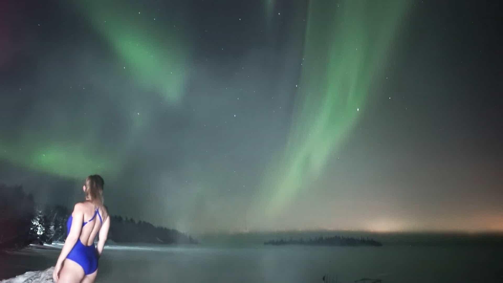 Veja o vídeo de uma aurora boreal de perder o fôlego