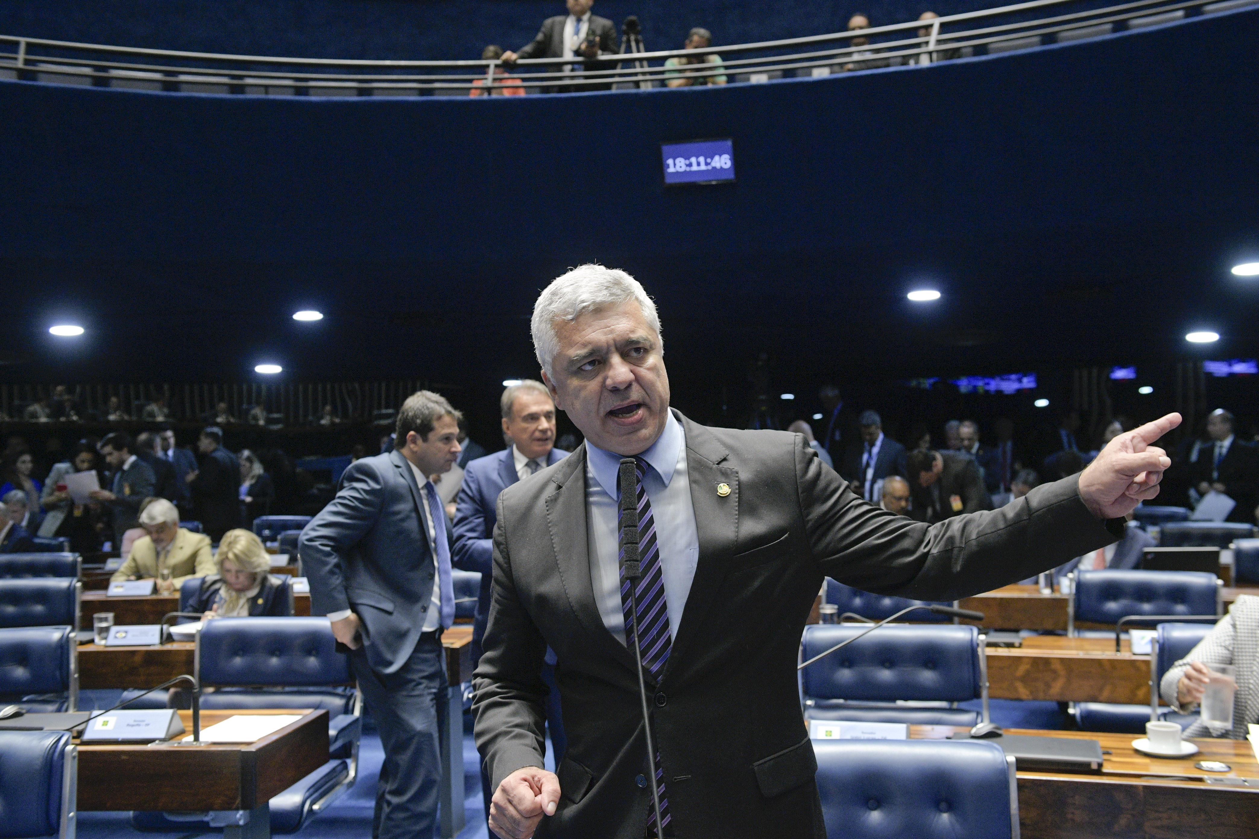 Senadores têm projeto contra decisão do STF sobre crimes eleitorais