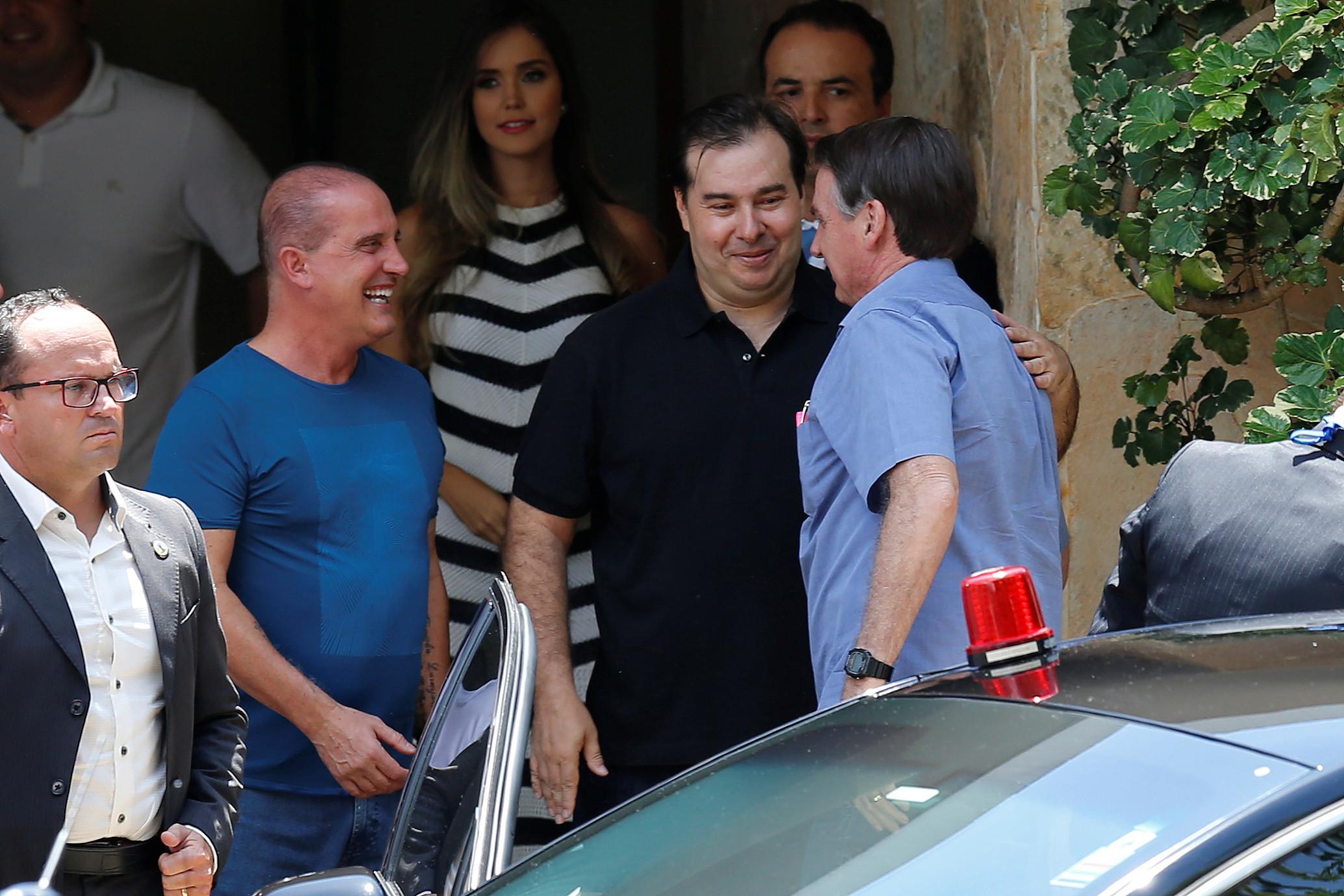 Com Moro de carona, Bolsonaro vai a churrasco com Maia, Davi e Toffoli