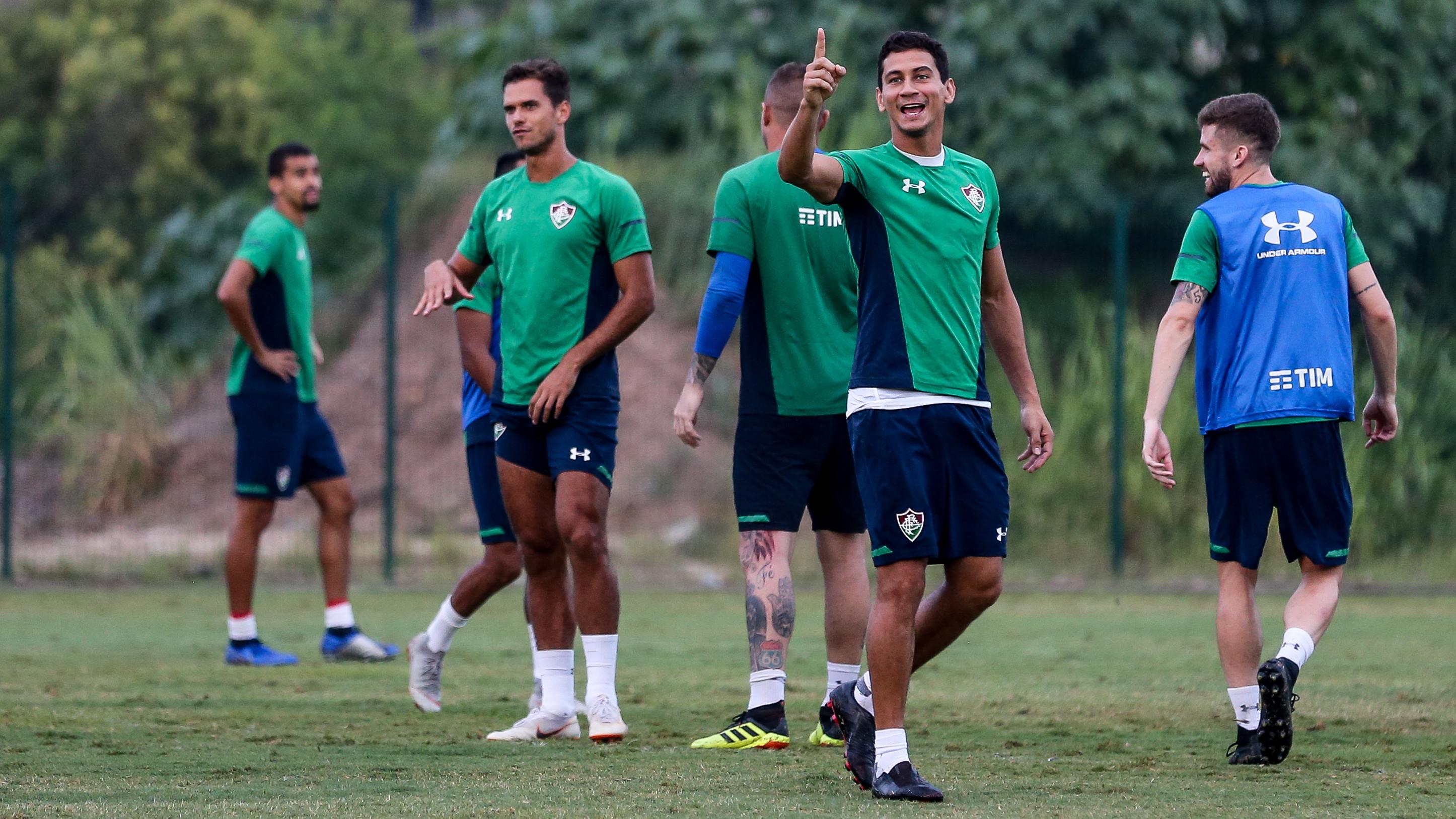 Após greve, Flu tenta disparar no topo contra o Botafogo