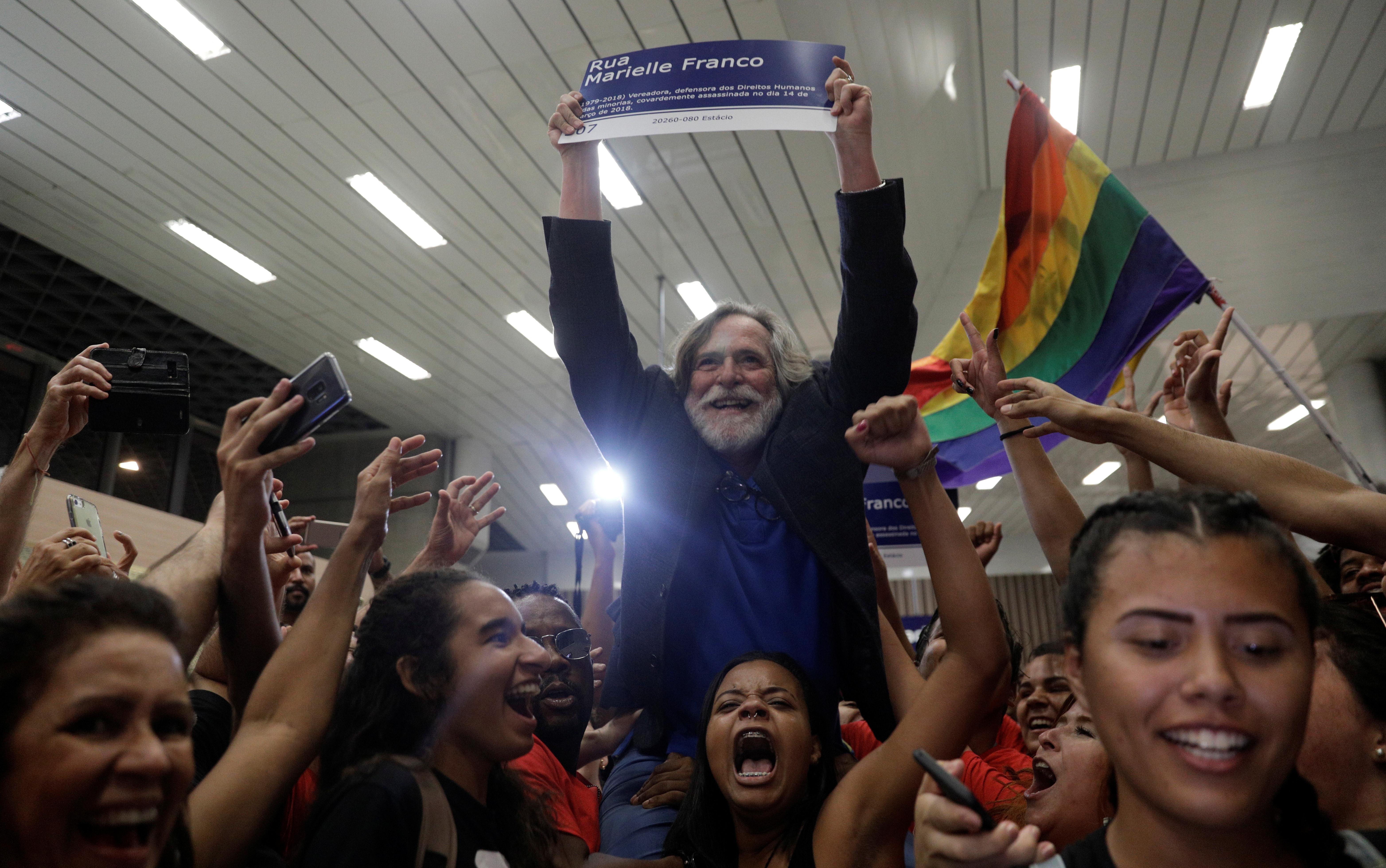 Zé de Abreu: 'Desde que me proclamei presidente, todo mundo pede foto'