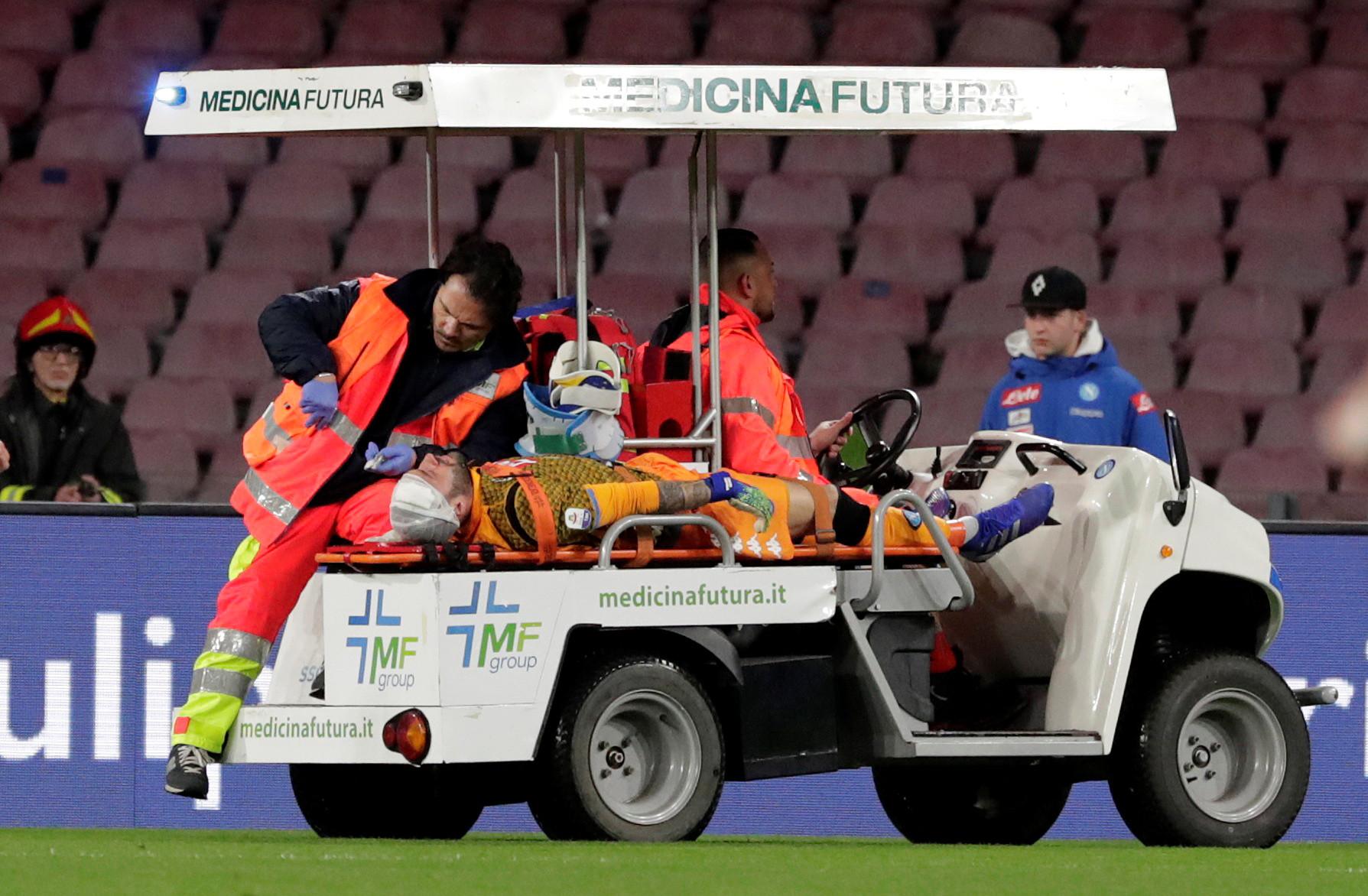 Em jogo marcado por desmaio de Ospina, Napoli vence a Udinese