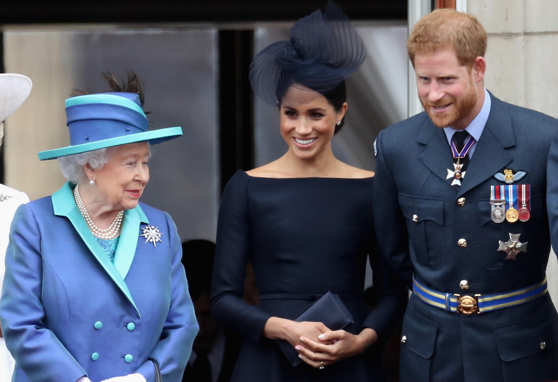Harry e Meghan Markle queriam 'liberdade total'; rainha não deixou